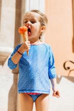 Petite fille portant un t-shirt Anti-UV mixte Riviera