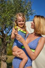 Femme portant un maillot de bain une-pièce Sunny Atolls