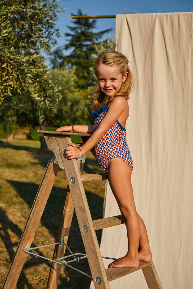 Petite fille portant un maillot de bain une-pièce Java Lucy in the Sky