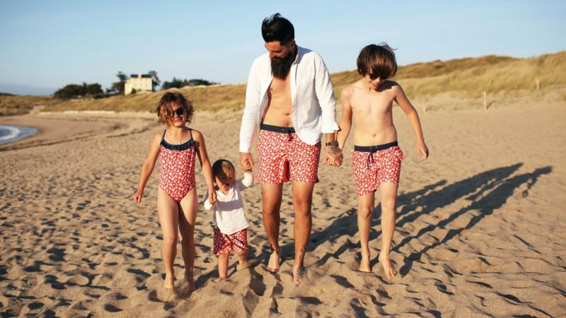 GILI'S x émoi émoi : Family Vibes sur le sable